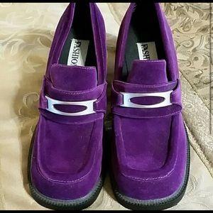 Vintage Shoes - Vintage Fashion bug purple velvet funky clog heels